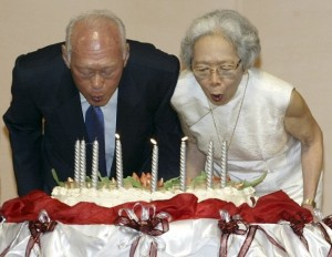 Mr Lee Kuan Yew and Wife Loving Couples